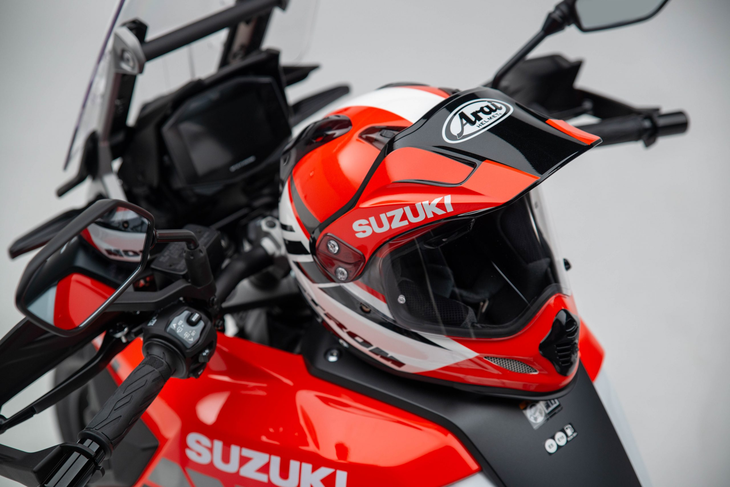 Arai Tour-X4 V-Strom edition